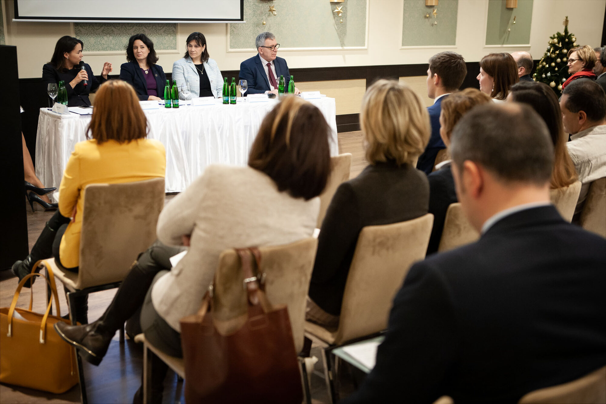 HUNGARIAN GOVERNMENT TO PRIORITISE HELP FOR INFERTILE COUPLES